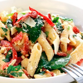 Red peppers pasta salad
